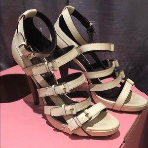BCBG MAXAZRIA White caged strappy heels sz 9.5